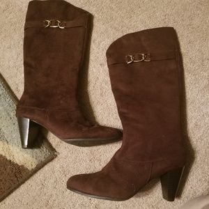 Brown Suede Knee Boots 9W